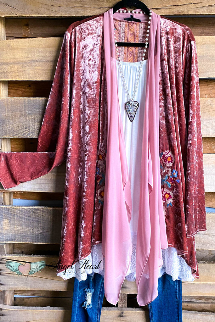 AHB EXCLUSIVE: Within My Love Velvet Cardigan - Rose-