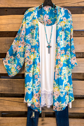 Don't Let Go Of Love Kimono - Mint