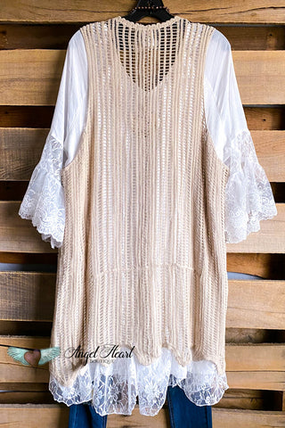 Soul Seeker Dress - Lace Beige & Pink