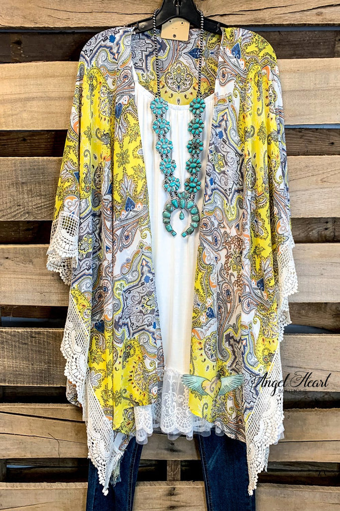 All That Lace Kimono - Yellow Mix