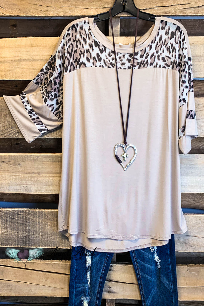 Weekend Babe Top - Taupe/Leopard