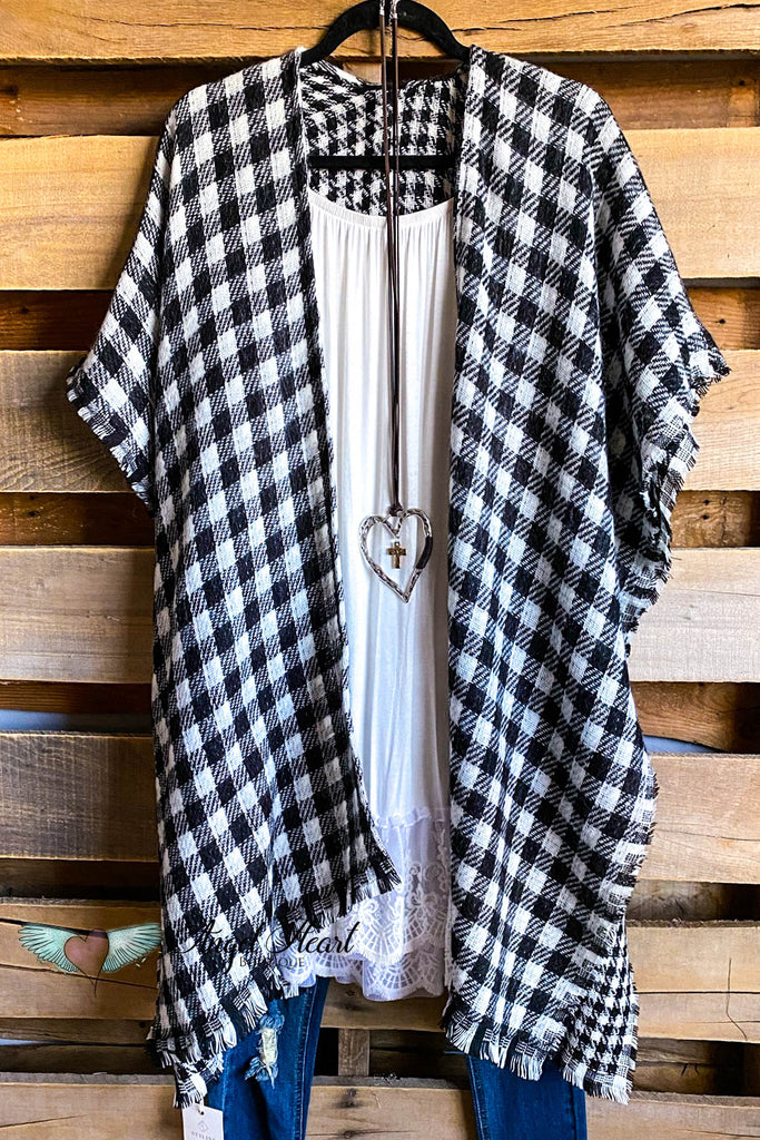 Time For Wine Kimono - Black/White