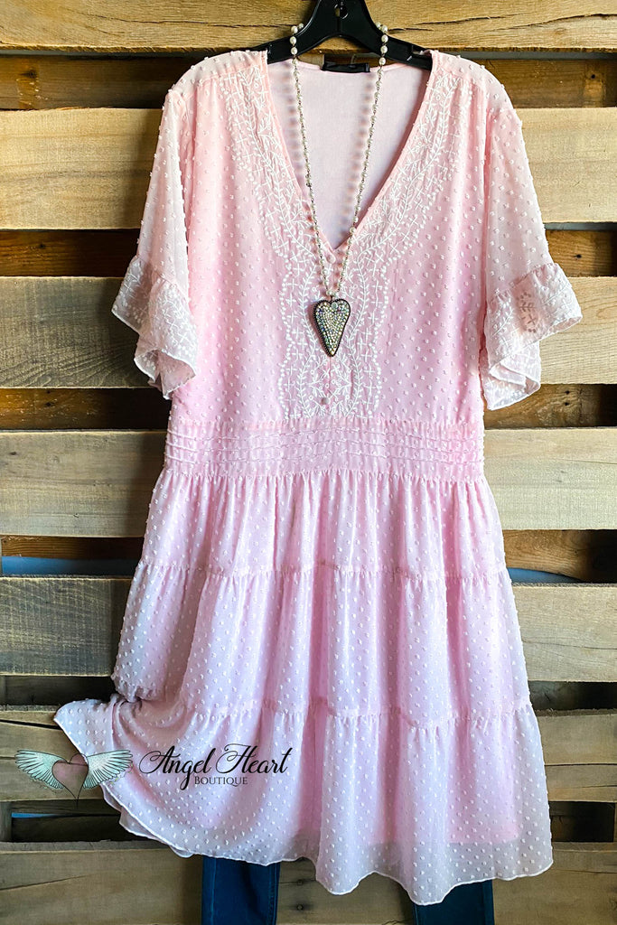 Sweet Smiles Dress - Mauve/Ivory