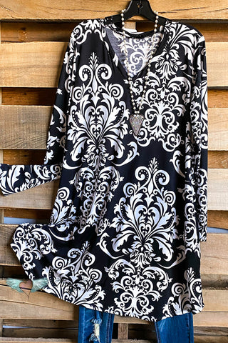 AHB EXCLUSIVE: Timeless Travels Dress - Black