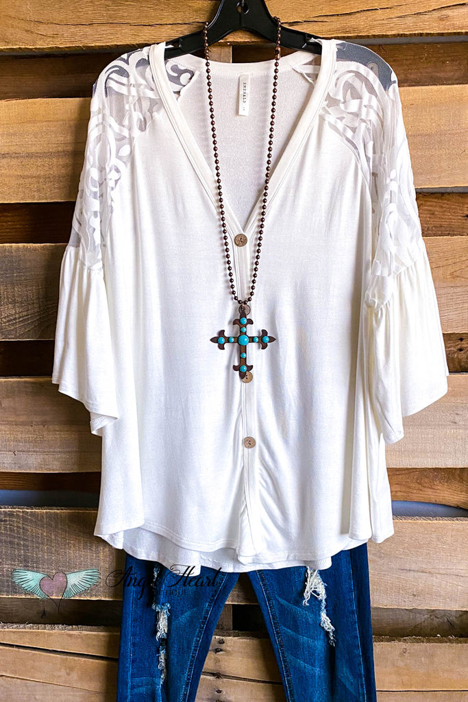 Hiding Heart Top - Ivory