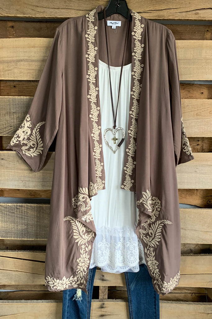 AHB EXCLUSIVE: Rise Of Romance Cardigan - Mocha