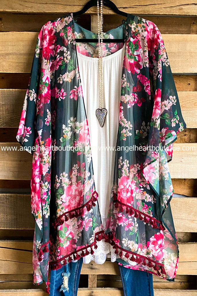 Wide Eyed Love Kimono - Green Mix