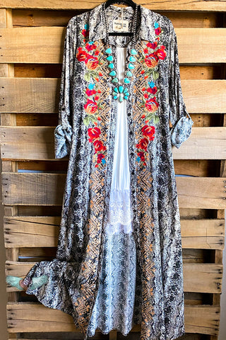 Beauty In Detail Lace Kimono - Natural