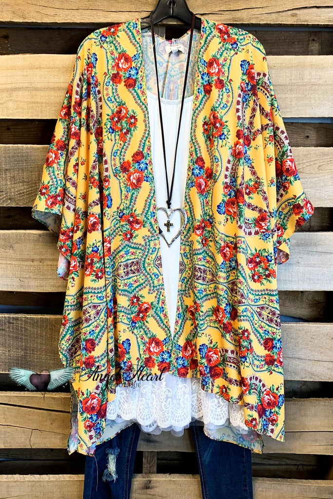 Just a Beauty Kimono - Honey