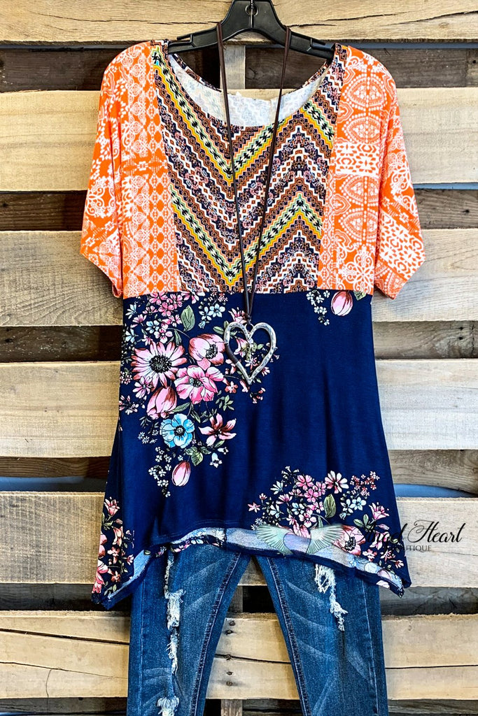 Say It Simple Top - Orange/Navy