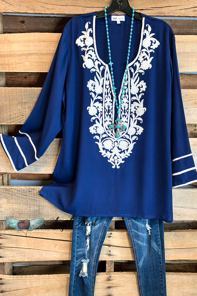 AHB EXCLUSIVE: Singing to My Soul Blouse - Navy