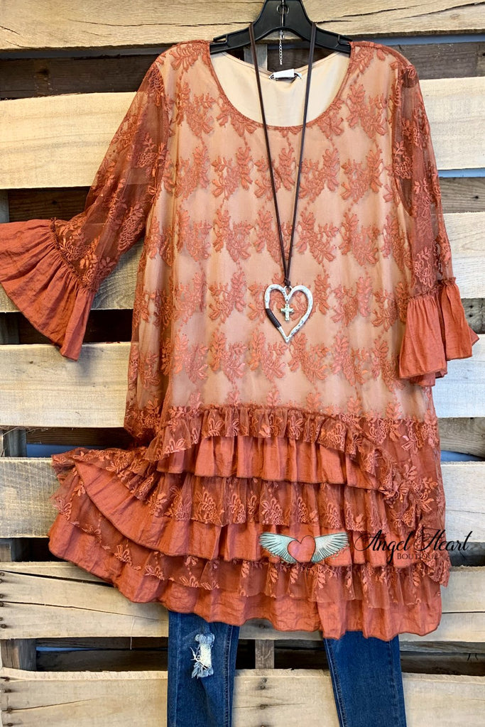 Pretty As a Picture Tunic - Rust