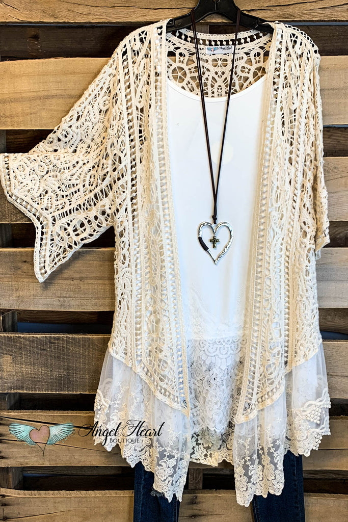 AHB EXCLUSIVE: Crochet Dreaming Kimono - Natural