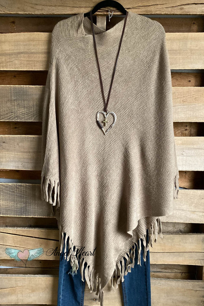 Chilly City Poncho - Camel