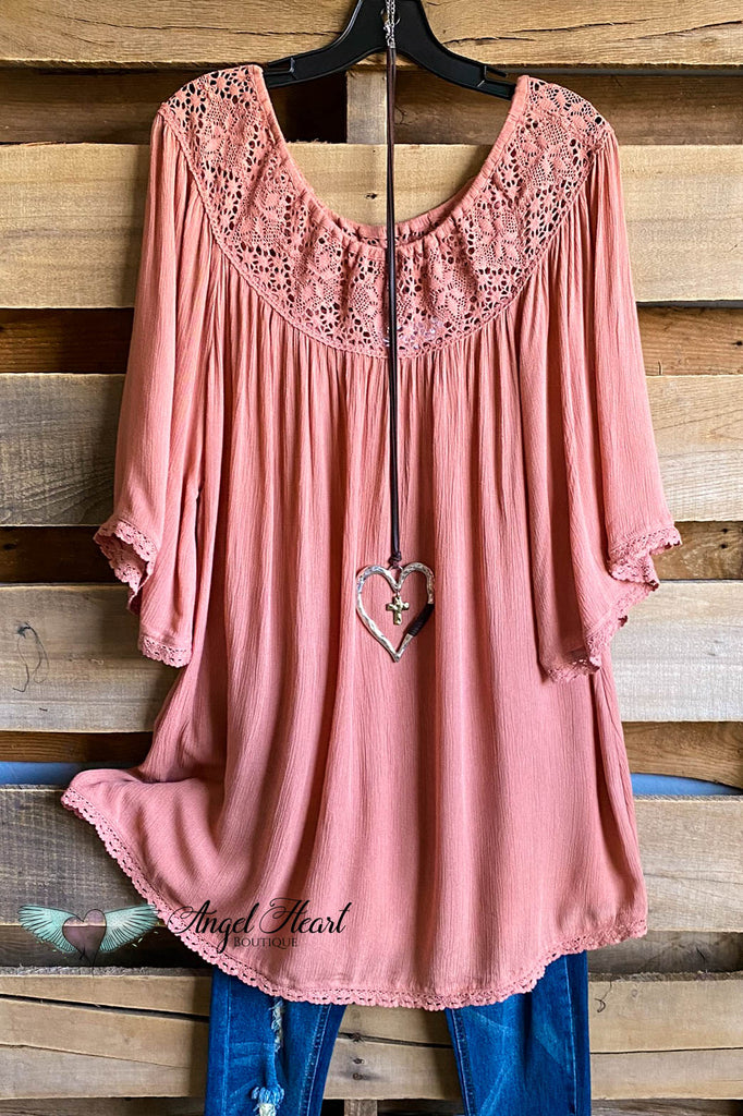 AHB EXCLUSIVE:  Feeling Free Tunic - Mauve