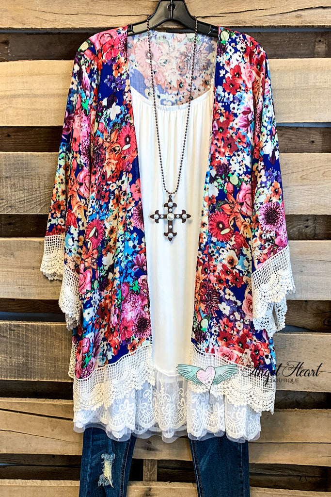 Don't Let Go Of Love Kimono - Navy