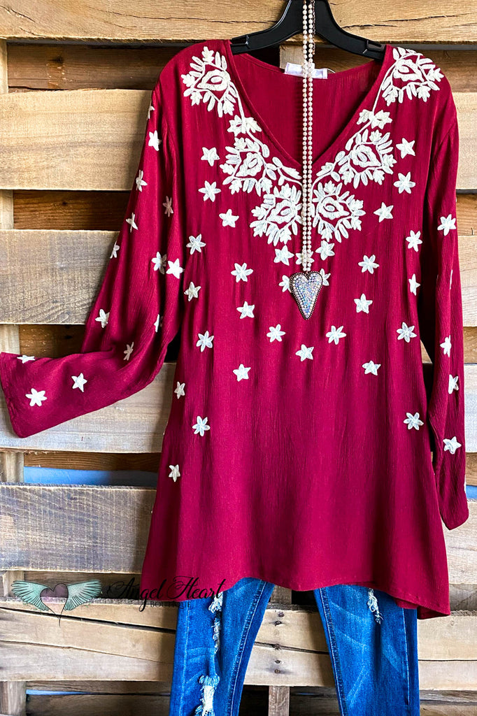 AHB EXCLUSIVE: A Striking Star Tunic - Burgundy