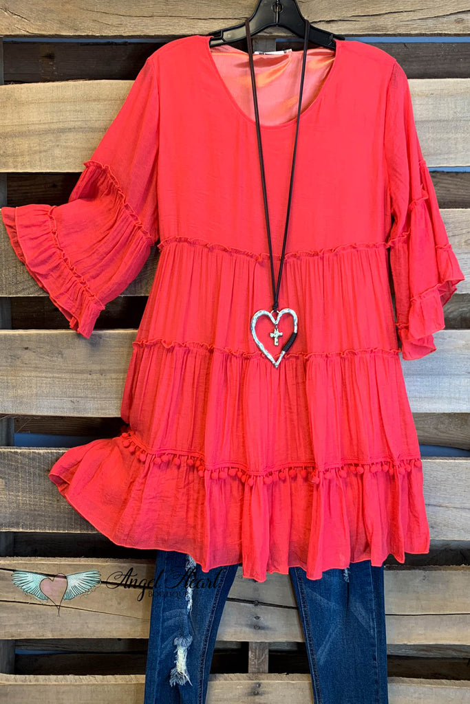 Like a Dream To Me Tunic - Coral