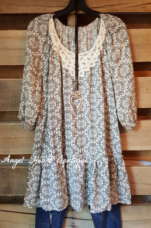 Spirit of Love Tunic - Cream - Umgee - Top - Angel Heart Boutique  - 1