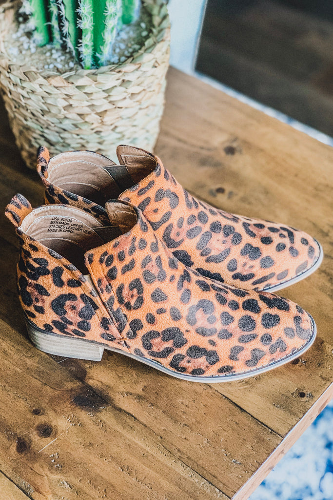 That Feline Walk Booties - Leopard - SALE