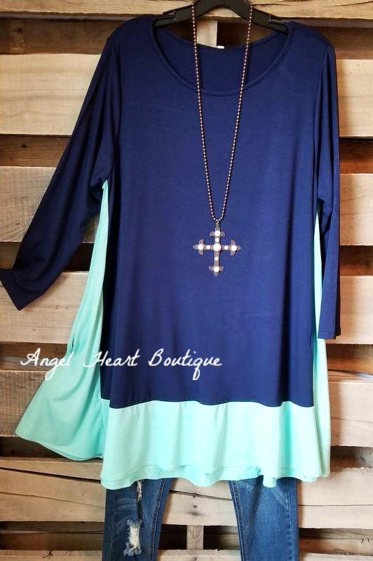 Thrill Of The Chase Tunic - Navy/Mint [product type] - Angel Heart Boutique