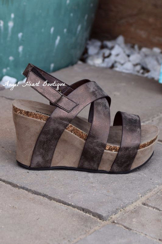Love You All The Way Wedges - Brown