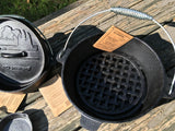 4 Quart Dutch Oven (no feet) w/ Trivet