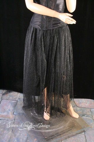 Asymmetrical and lace noir Victorian lady Black handkerchief chic goth gothic style skirt topper