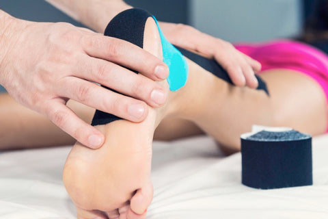 How to tape flat feet to prevent pain when barefoot?