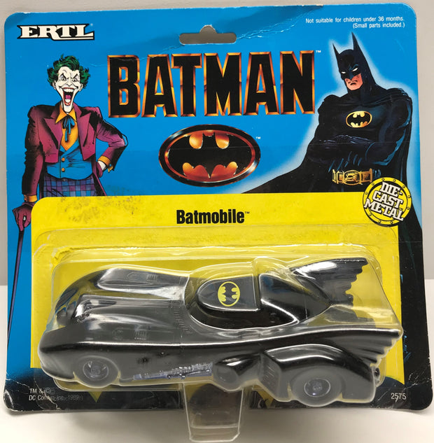 TAS038220 - 1989 ERTL Batman Die-Cast Metal Batmobile #2575 1/43