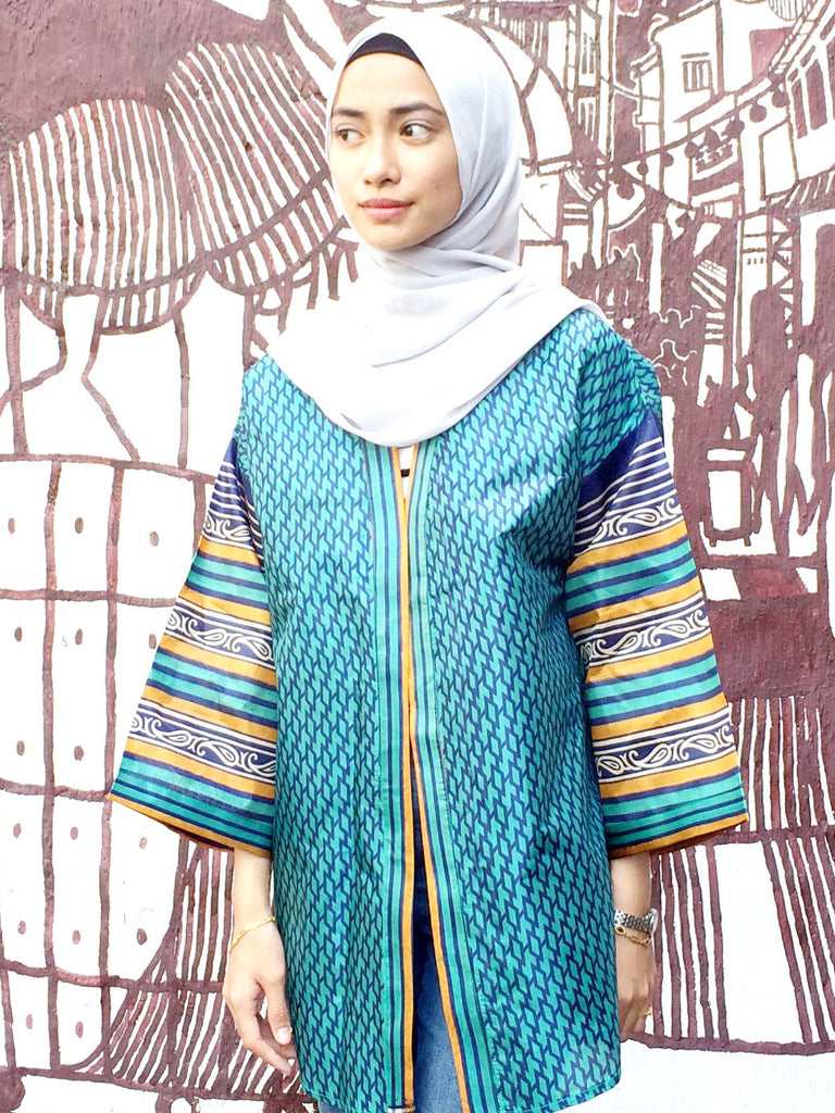 Hana Graphic Print Kimono Top In Turquoise - Size S and M