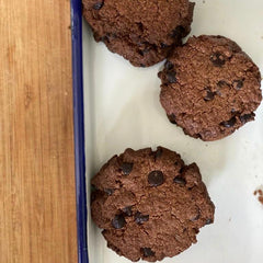 Flourless Vegan Chocolate Chip Cookies