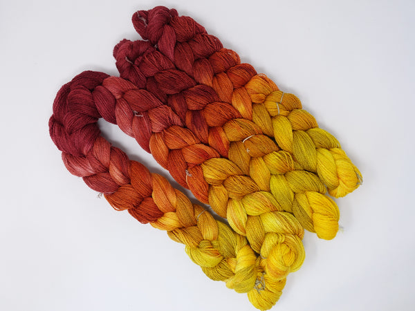 Hand Dyed Gradient Warp-  Merino & Tussah Silk 2/11.5NM ~600m per 100g. 260 ends. ~2.2m or 4.8m length.