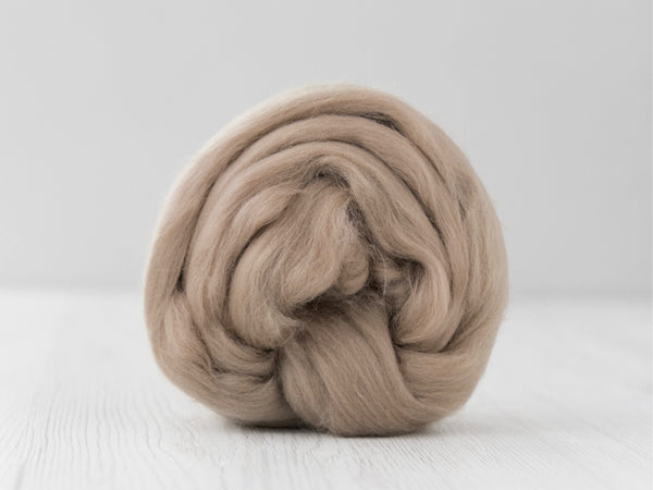 Superfine 19 micron Merino & Tussah Silk, 70-30 blend. 50g- Earth (DHG)
