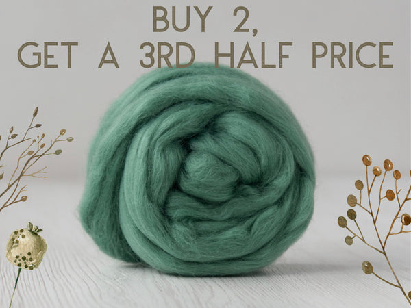 Superfine, 19 micron Merino. Naturally Dyed. 50g- Emerald (DHG)