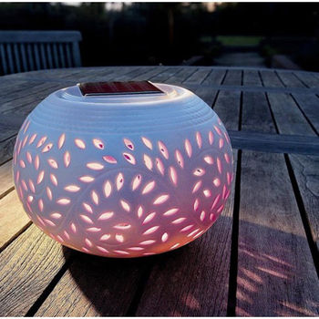 Solar powered filigree lamp