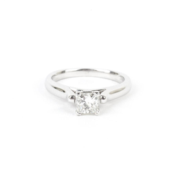 Pre-Owned Solitaire Diamond Engagement Ring