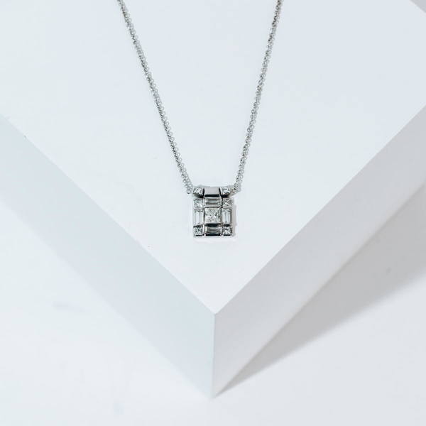 Pre-owned Diamond Necklace