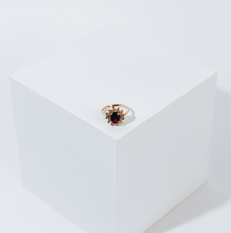 Pre-owned Garnet & Quartz ring