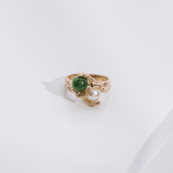Pre-owned Jade and Pearl Ring
