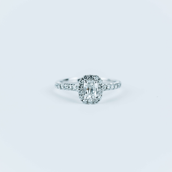 PRE-OWNED HENRI DAUSSI DIAMOND HALO ENGAGEMENT RING