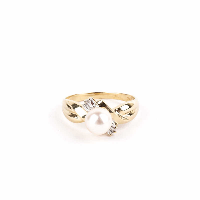Pre-Owned Pearl and Diamond Ring