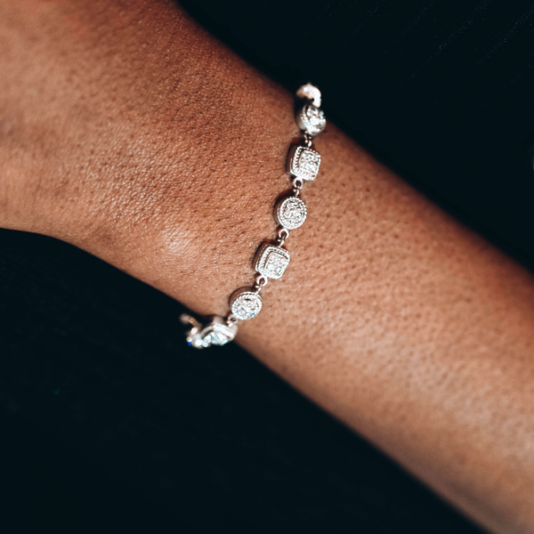 Pre-Owned Round Brilliant Diamond Bracelet