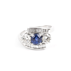 PRE-OWNED BLUE SAPPHIRE AND DIAMOND VINTAGE RING