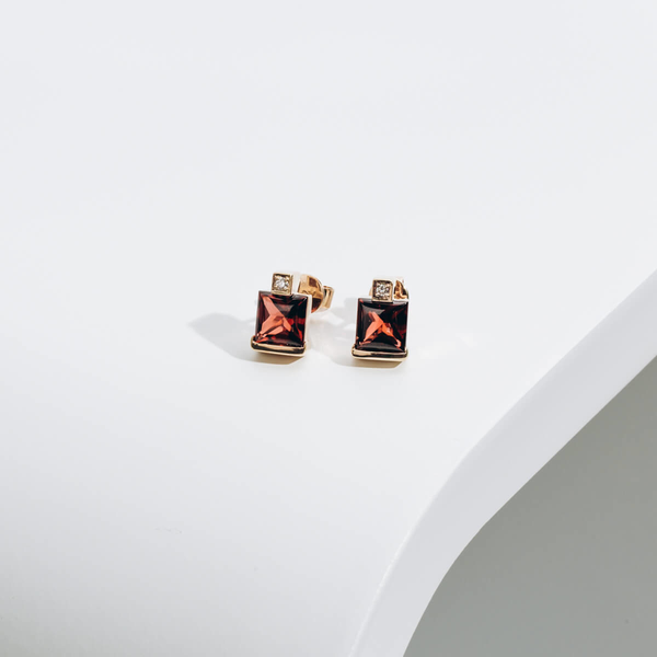 PRE-OWNED GARNET & DIAMOND EARRINGS