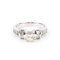 Pre-Owned White Gold Engagement Ring
