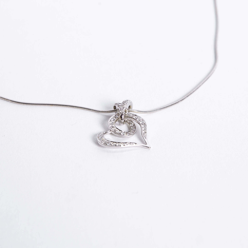 Pre-Owned Jose Hess Diamond Heart Necklace