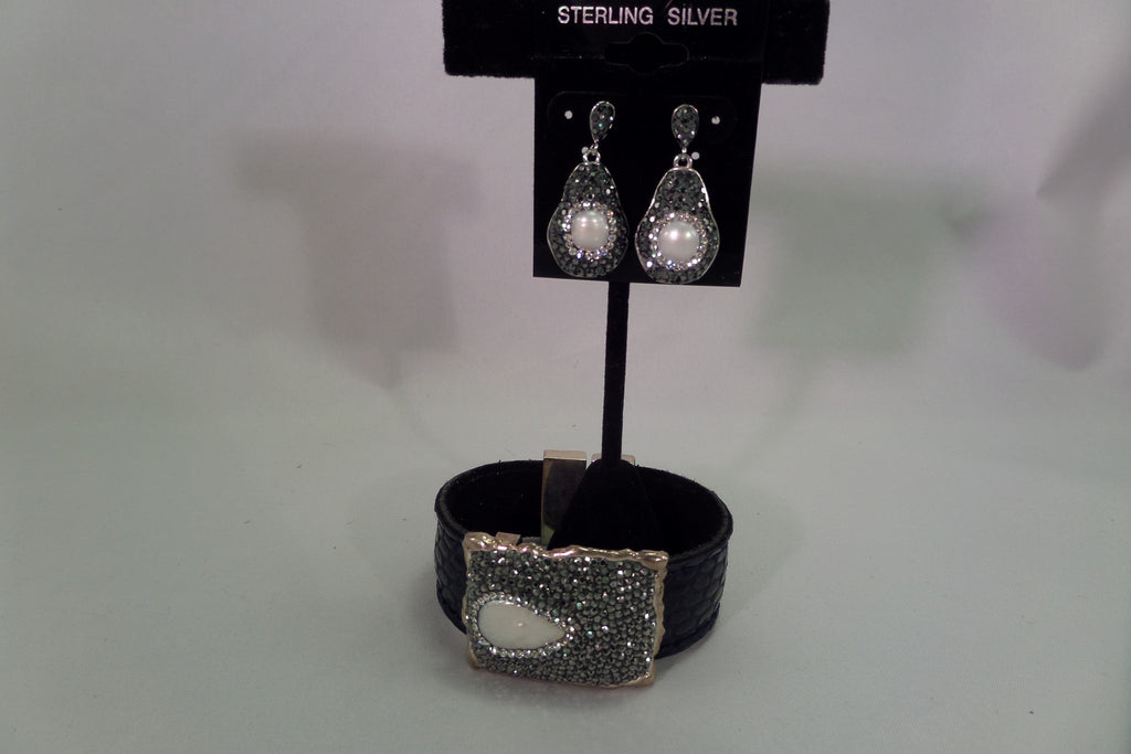 Sterling silver pearl druzy leather cuff bracelet
