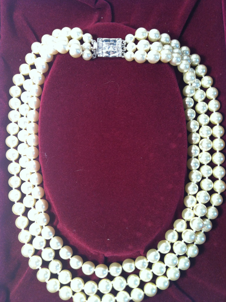 Jackie Kennedy replica classic3 strand pearl necklace