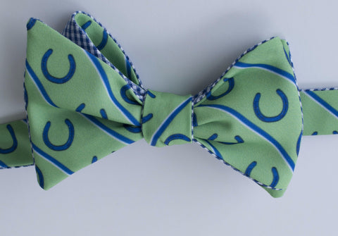 Horseshoes Bow Tie - green